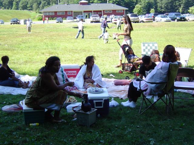 picnic2004b.jpg