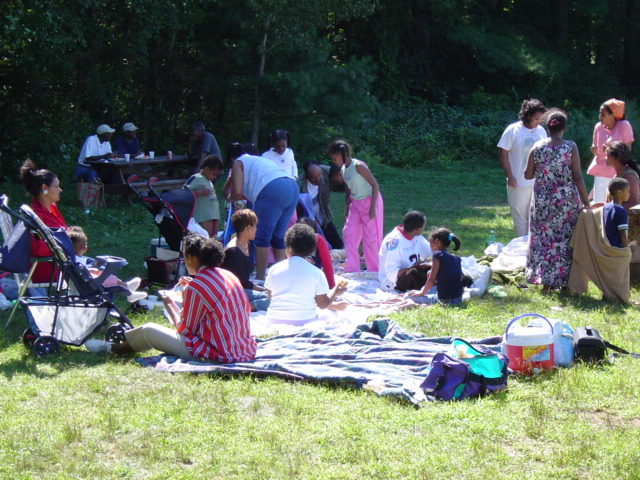 picnic2004.jpg